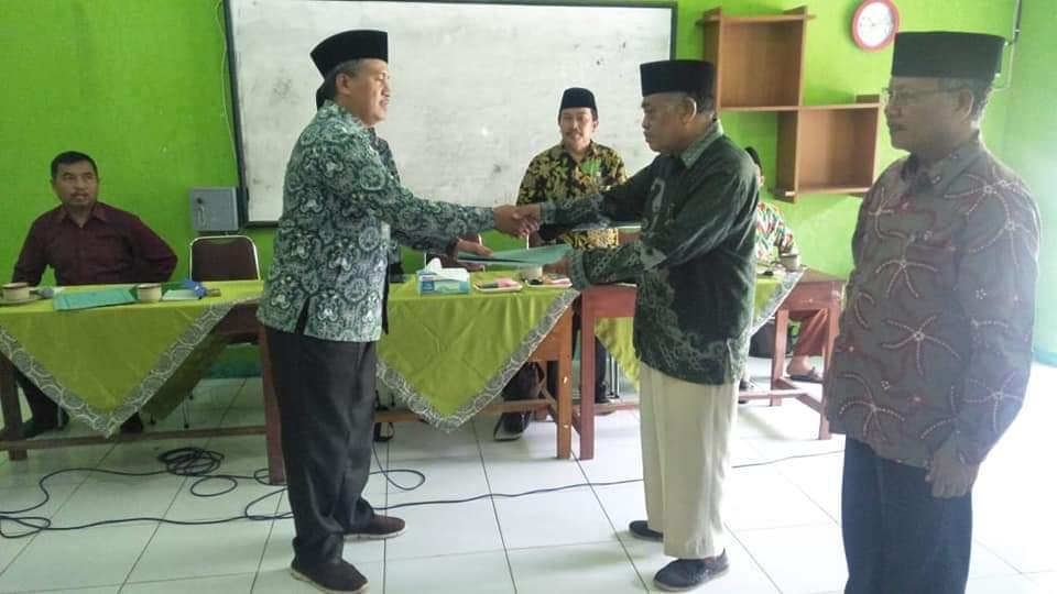 Penyerahan SK BP3MNU SMK Maarif NU 1 dan 2 Ajibarang