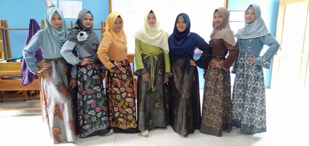 Penutupan kegiatan KMFEB Foundation UNSOED di MA Ma'arif NU Cilongok
